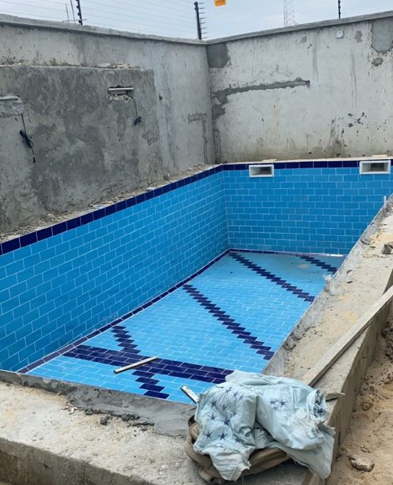 4bedroom Terrace service apartment with swimming pool